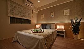 私時間を豊かに彩るマスターベッドルーム。落ち着きとゆとりに満ちたラグジュアリーなひと時を。