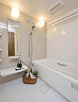 心と身体をゆっくり癒す、リラクゼーションスペースゆとりのバスルーム。