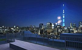 住居棟「パーク」の屋上には、ウッドデッキで仕上げた「見晴らしの庭」を設けました。ライトアップされた美しい東京スカイツリーを間近に望み、東京の未来をダイレクトに感じるこのデッキは住まう方だけに許された贅沢な場所。※1
