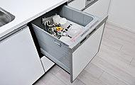 引き出し式で食器の出し入れがしやすい食器洗い乾燥機をキッチンに標準装備しています。食後の片付けをサポートします。