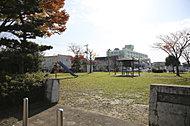 七郷中央公園 約950m(徒歩12分)