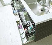 カウンター下の収納は2段のスライド収納になっており、キッチン用品の収納に大変便利です。