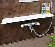 洗い場の限られたスペースが広く使えるよう、コンパクトに設計されたカウンターです。