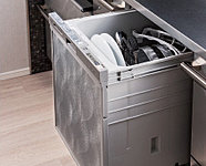 強力な水流で汚れを洗い流します。また、簡単操作で洗浄から乾燥までスピーディーにこなします。
