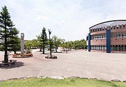 安城市総合運動公園 約3,040m(自転車12分)