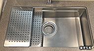 広いシンクと広い調理スペースを併せ持つシンクを採用しました。豊富なプレートを使ってさまざまな調理が可能です。(Kタイプは除く)