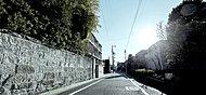 現地周辺の街並み 約170m(徒歩3分)
