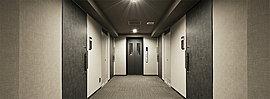 居室までの廊下は高級感のあるホテルライクな内廊下設計。外部からの視線も遮断されるためプライバシー性が向上。