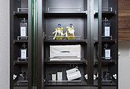 朝にも使いやすい毎日使う衛生用品などをしっかり収納できる鏡裏収納を標準設置。