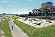 武庫川河川敷公園 約270m(徒歩4分)