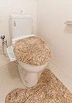 洗浄使用水量は大8L/小6L。従来型の大13Lに比べて、2日で浴槽約1杯程度(208L)の節水を実現します。