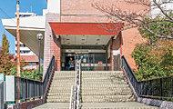 本駒込図書館 約680m(徒歩9分)