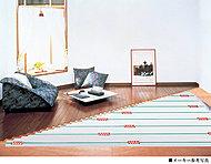 リビング・ダイニングの床には、やわらかな温もりで足元からお部屋全体を暖めるガス温水床暖房「ヌック」を標準装備しました。