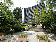 兵庫県庁 約300m(徒歩4分)
