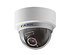 エントランスや駐車場など共用部の各所に防犯カメラを設置しています。防犯効果を高め、映像は一定期間保存されます。※参考写真