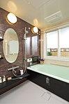 眺望を満喫できるビューバスも設定(一部タイプ)した一クラス上のバスルームです。お風呂を自動で設定してくれる全自動フルオートバスシステムも採用