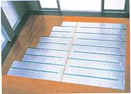 全住戸のリビングダイニングに、温水式床暖房を導入しました。温風でホコリを舞い上げることもなく、衛生的です。