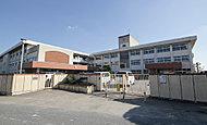 市立斑鳩南中学校 約1,070m(徒歩14分)