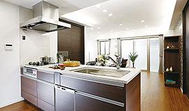 明るく広々したオープンタイプのキッチンは、毎日使う場所だからこそ充実の設備で機能性と使い勝手にこだわりました。
