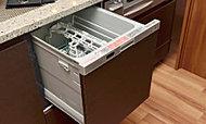 食器の出し入れがしやすいスライド式を標準装備。後片付けの手間を軽減します。