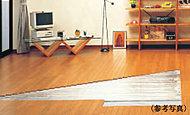 リビング・ダイニングには、身体にやさしい床暖房を設置。足元からじっくり温めるため、ホコリの舞い上げもありません。