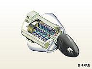 キーの複製が困難で、ピッキングなど不正解錠に効果を発揮。防犯性と操作性に優れたリバーシブルディンプルキー。