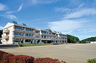 白河市立みさか小学校 約950m(徒歩12分)