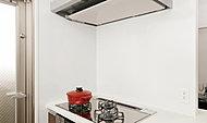 熱に強く汚れが染み込まない高品位ホーローパネル。キッチンの気になる汚れもサッと一拭き。いつもきれいなキッチンを保てます。