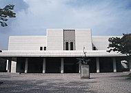 下関市立美術館 約720m(徒歩9分)