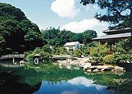 長府庭園 約450m(徒歩6分)