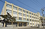 札幌市立白石中学校 約1,400m(徒歩18分)