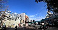 近鉄名古屋線・湯の山線「近鉄四日市」駅 約750m(徒歩10分)