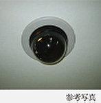 死角となりやすいエレベーター内や駐車場、自転車置場などに防犯カメラを10台設置(予定)し、防罪抑止力を高めています。