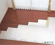 足元から室内全体を温める床暖房。温風でホコリを巻き上げる心配もなく、静粛性に優れた暖房システムです。