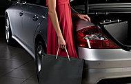 来客用駐車場12台。ゆとりある敷地を活かして、平置駐車場を全戸分確保。車高を気にせず利用でき、出し入れしやすいのも特徴。