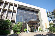 浦安市立図書館富岡分館 約460m(徒歩6分)