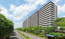 地上14階建て、全327邸のスケールを誇る知と文化の先進レジデンス。