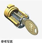 玄関キーには、数億通りのキーパターンを持ち、複製が困難なディンプルキーを採用。ピッキング対策としてもすぐれています。