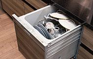 食器をムラなく洗浄する2段式ノズルを搭載。高温で洗い、洗いあがった食器は余熱で乾燥させ、カラッと清潔な仕上がりです。