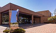 半田市立博物館・図書館 約1,780m(車3分)