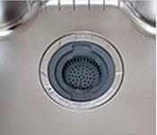 生ゴミを粉砕し、浄化槽へ流すディスポーザを標準装備。ゴミ出しの負担を軽減し、清潔感あふれるキッチン空間を実現します。