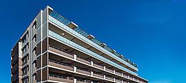 帰り着くのが楽しみになる、安らぎの空間。デザイン性の高い空間はリゾートホテルのよう。