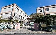 梅田小学校 約730m(徒歩10分)