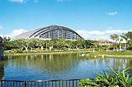 沖縄県総合運動公園 約3km(車8分)