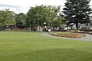 新浜公園 約200m(徒歩3分)