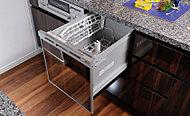 食器の片付けに便利な食器洗い乾燥機を標準装備。洗浄力が高く、除菌・節水効果にも優れています。