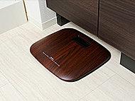 洗面化粧台下に、体重計の収納スペースを設置。デッドスペースを有効活用することで、部屋の中をスタイリッシュに保ちます。