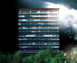 バルコニーには、板ガラスの表面に極薄の金属膜をコーティングした高遮蔽性能をもつ熱線反射ガラスを採用しています。金属膜が光を反射して昼間の室内が見えにくい(ハーフミラー効果)ので、プライバシーを守ることもできます。