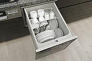 東京ガスのTES式浴室暖房乾燥機がバスルーム内を換気して、カビの発生を抑えます。さらに、乾燥機能で雨の日に洗濯物を乾かせるのも便利です。