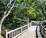 岡本公園 約1,010m(徒歩13分・自転車6分)